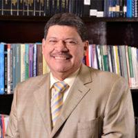 Dr.-Luis-Enrique-Lacayo-Presidente
